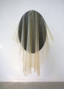 Für John Cage, 2011, Holztisch, Vulkolan, 180x100x80 cm